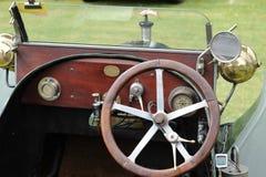 Interiores clásicos del coche imagen de archivo libre de regalías