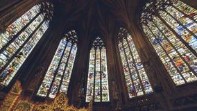 Interiores da catedral de Lichfield - senhora Chapel Stained Glass Sou fotos de stock