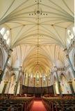 Interiores da igreja Fotos de Stock Royalty Free