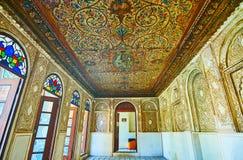 Interiores da mansão persa velha, Shiraz, Irã Imagens de Stock