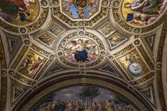 Interiores de salas de Raphael, museu do Vaticano, Vaticano Foto de Stock