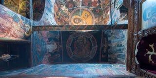 Interiores del monasterio de la trinidad santa en Meteora imagen de archivo libre de regalías