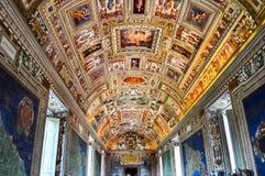 Interiores del museo del Vaticano foto de archivo libre de regalías