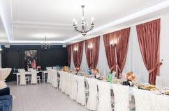 Interiores del restaurante foto de archivo