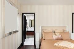 Interiores, dormitorio de lujo foto de archivo libre de regalías
