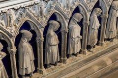 Interiores e detalhes de basílica de St Denis, França Fotos de Stock