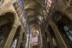 Interiores e detalhes de basílica de St Denis, França Fotos de Stock Royalty Free