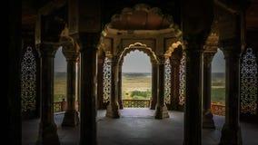 Interiores en el fuerte de Agra en Agra, la India de los cuartos de los emperadores imagenes de archivo