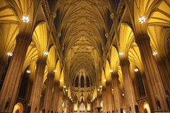 Interiores New York City de la catedral del St. Patrick Imagenes de archivo