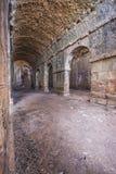 Interiro der gewölbten Zisterne mit drei Teilen bei Aptera, Creta der Badeanstalt bei Aptera, Kreta lizenzfreie stockfotos