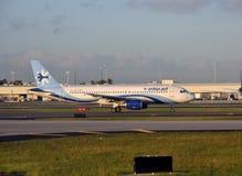 Interjet在迈阿密看见的乘客飞机 库存照片