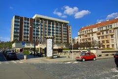 Interkontinentalt hotell, moderna byggnader, Paris gata, Prague, Tjeckien Royaltyfri Fotografi