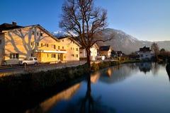 Interlaken västra centrum och Aare flod Royaltyfria Bilder