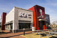 Internationaal het bedrijfembleem van het het snelle voedselrestaurant van KFC op 25 Februari, 2017 in Praag, Tsjechische republi Royalty-vrije Stock Afbeeldingen