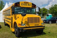 3800 international «maître» de moissonneuse d'autobus scolaire Image stock