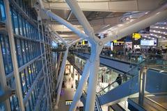 Internationale Abfahrthalle Innenraum von Heathrow-Flughafenabfertigungsgebäude 5 Neues Gebäude Lizenzfreie Stockfotografie