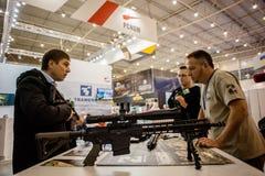 13. internationale Ausstellung von Bewaffnungen Waffen und von Sicherheit 2016 Stockfotos