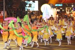 Internationale chinesische neues Jahr-Nachtparade Stockfoto