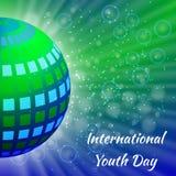 Internationale de Jeugddag 12 August Mirror-ballen of aarde, met stralen, blauwe en groene onduidelijk beeldachtergrond Stock Afbeeldingen