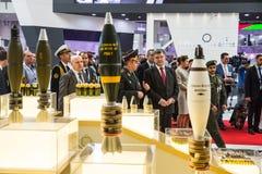 Internationale Defensietentoonstelling in Abu Dhabi Stock Foto's