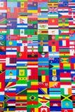 Internationale Flaggen-Anzeige von verschiedenen Ländern Stockfotos