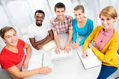 Internationale Gruppe Studenten Stockbild