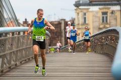 Internationale Marathonathleten Krakaus, die Bemühung laufen lassen Lizenzfreie Stockfotografie