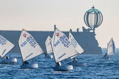 29. INTERNATIONALE PALAMOS-OPTIMIST-TROPHÄE 2018, 13. NATIONS-SCHALE, am 15. Februar 2018, Stadt Palamos, Spanien stockbilder