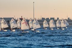29. INTERNATIONALE PALAMOS-OPTIMIST-TROPHÄE 2018, 13. NATIONS-SCHALE, am 15. Februar 2018, Stadt Palamos, Spanien Stockbild