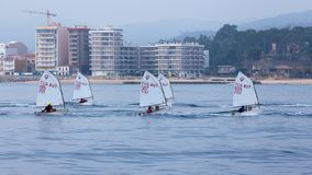 29. INTERNATIONALE PALAMOS-OPTIMIST-TROPHÄE 2018, 13. NATIONS-SCHALE, am 16. Februar 2018, Stadt Palamos, Spanien Lizenzfreies Stockbild