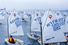 29. INTERNATIONALE PALAMOS-OPTIMIST-TROPHÄE 2018, 13. NATIONS-SCHALE, am 16. Februar 2018, Stadt Palamos, Spanien Stockfotografie