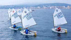 29. INTERNATIONALE PALAMOS-OPTIMIST-TROPHÄE 2018, 13. NATIONS-SCHALE, am 16. Februar 2018, Stadt Palamos, Spanien stockbild