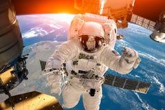 Internationale Ruimtestation en astronaut stock foto