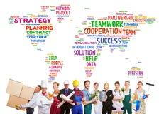 Internationale Teamwork mit vielen Berufen stockfoto