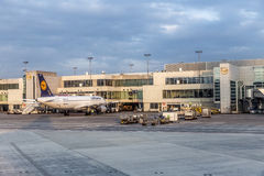 Internationaler Flughafen Frankfurts Stockfotos