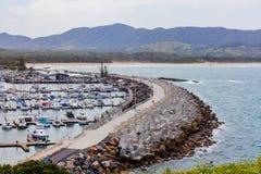 Internationaler Jachthafen und Küstenlinie Coffs Harbour lizenzfreies stockfoto