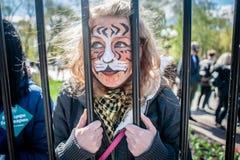 Internationaler Zirkustag Aktivisten protestiert gegen Ausnutzung die Tiere stockbild