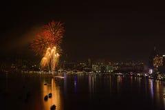 Internationales Feuerwerks-Festival Pattayas lizenzfreies stockbild