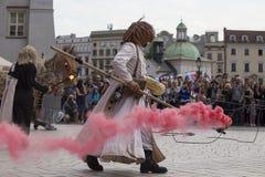 Internationell festival av gatateatrar ULICA i Cracow_Opening Arkivfoton