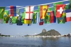 Internationell flagga som Bunting Rio de Janeiro Brazil Royaltyfria Bilder