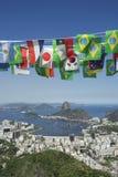 Internationell flagga som Bunting Rio de Janeiro Brazil Arkivbilder