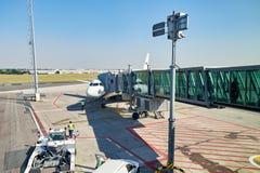 Internationell flygplats av Prague Arkivbild