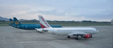 Internationell flygplats Hanoi Noi Bai - VVNB, Vietnam royaltyfri fotografi