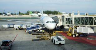Internationell flygplats på Phuket Arkivbilder
