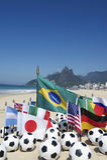 Internationell fotboll Team Flags Footballs Rio de Janeiro Brasilien Arkivbilder