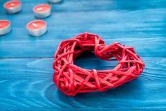 Internationell kvinnadag för begrepp med hjärtaträbakgrund Royaltyfria Bilder