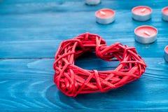 Internationell kvinnadag för begrepp med hjärtaträbakgrund Royaltyfri Bild