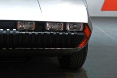 internationell motorisk show 2018 för 88th Genève - främre ljus 1967 för Lamborghini Marzal begrepp Arkivfoton