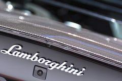 internationell motorisk show 2018 för 88th Genève - Lamborghini emblem arkivfoton
