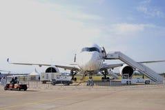 Internationell rymdsalong för MAKS superjet för sukhoi 100 Arkivbilder